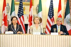 090716_clinton_trilateral_250_1